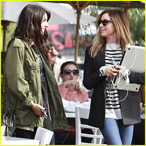 Ashley Tisdale & Shenae Grimes: Toast-y Twosome