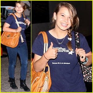 Bindi Irwin Arrives in Los Angeles with Family