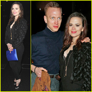 Cinderella S Hayley Atwell London Fashion Week Party With Boyfriend Evan Jones Evan Jones Hayley Atwell Just Jared Jr