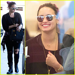 Demi Lovato Jets Out of LAX Before First Neon Lights Tour Stop!