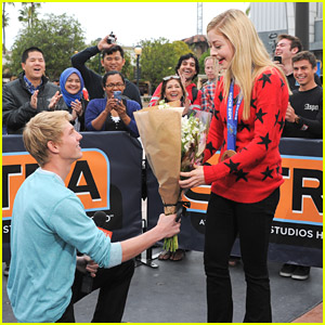 Gracie Gold Surprised by Prom Asker Dyer Pettijohn on 'Extra' Set