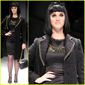 Katy Perry Gets Booed at Moschino Show, Acts Like a Pro!