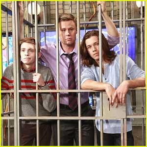 Leo Howard & Dylan Riley Snyder: Locked Up on 'Kickin' It'!