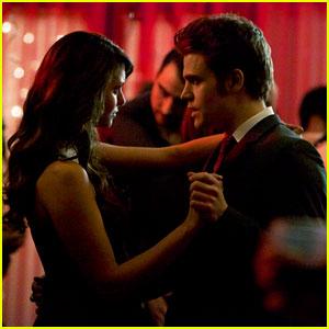 Nina Dobrev & Paul Wesley: Bitter Ball on 'The Vampire Diaries' Tonight!