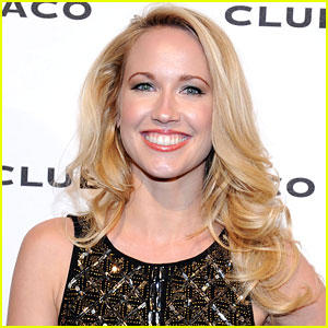 Anna Camp is 'Damaged Goods'