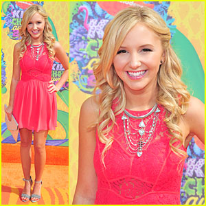 Audrey Whitby's Beauty Shines in Coral at Kids' Choice Awards 2014!