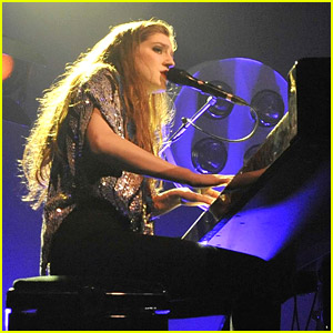 Birdy Plays Vicar Street in Dublin