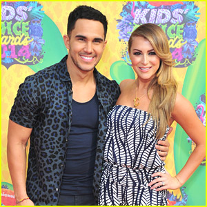 Carlos & Alexa PenaVega Couple Up for Kids' Choice Awards 2014