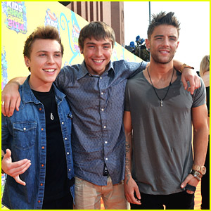 Slime Faces Ready - Emblem3 Hit Up Kids' Choice Awards 2014