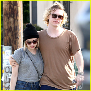 Emma Roberts & Evan Peter Cuddle Up for Sunday Brunch Outing!