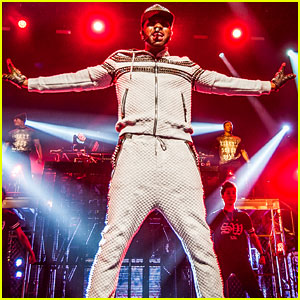 Jason Derulo Does It For the Fans!