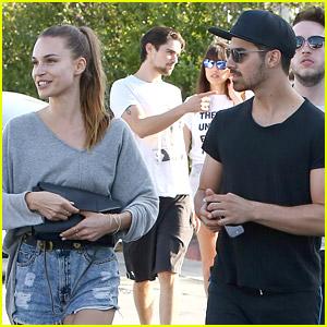 Joe Jonas & Blanda Eggenschwiler: Weekend Lunch in Malibu