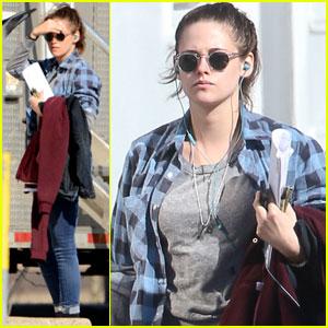 Kristen Stewart Hits the Beach During Winter for 'Still Alice' Scenes