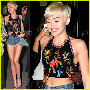 Miley Cyrus Spits Water on Her 'Bangerz' Audience - Watch Here!