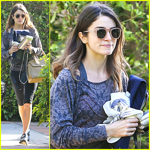 Nikki Reed: Purse Swap at Friend's Home