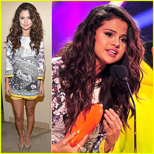 Selena Gomez: Kids' Choice Awards 2014's Favorite Female Singer!