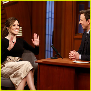 Sophia Bush Talks Chicago Weather on 'Late Night with Seth Meyers'