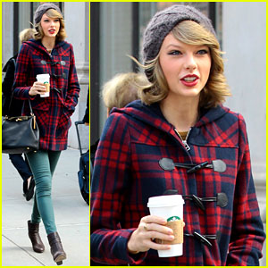 Taylor Swift Hides Things In Secret Spots Around Her House!
