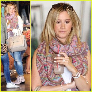 Ashley Tisdale Thinks Kristen Bell Is 'So Talented'