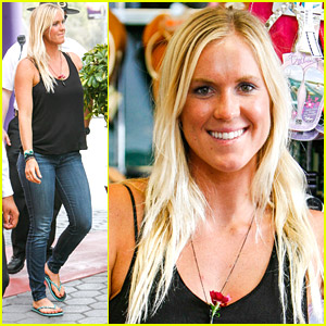 Surfer Bethany Hamilton Launches Limited Edition Flip Flop Cobain Collection