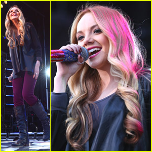 Blake Shelton is 'Cranking' Danielle Bradbery's New Single 'Young in America'