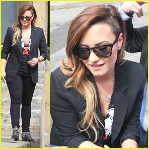Demi Lovato Has Strange Dreams About Penguins