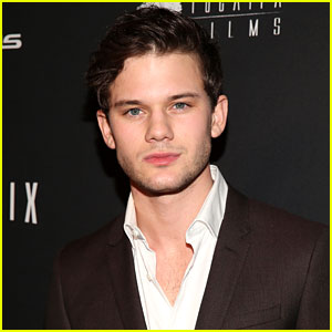 Jeremy Irvine to Star in Upcoming Movie �Stonewall�!
