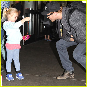 Kellan Lutz Continues To Be Amazing; Talks with Young Fan About Her Toy