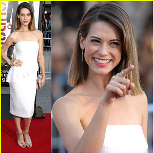 Lyndsy Fonseca Wows in White at 'Neighbors' Premiere