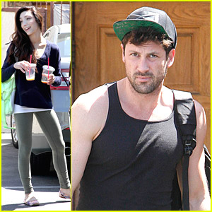 Meryl Davis Brings Luggage Along To 'DWTS' Practice
