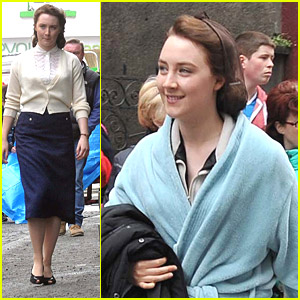 Saoirse Ronan Signs Autographs on 'Brooklyn' Set in Dublin