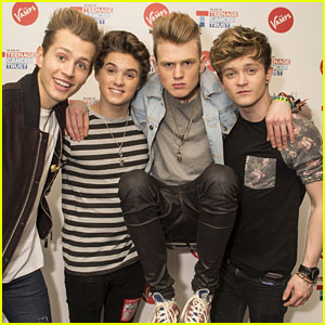 Taylor Swift Once Made Dinner for The Vamps & Wouldn't Let Them Help!