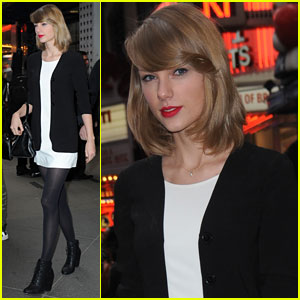 Taylor Swift Sings to Patients During Surprise Visit to Providence Children's Hospital