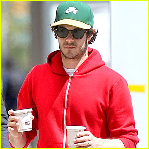 Adam Brody Makes a Coffee Run for Two!