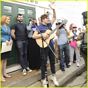 American Idol's Alex Preston Gives Mount Vernon Town Hall Concert During Home Town Visit
