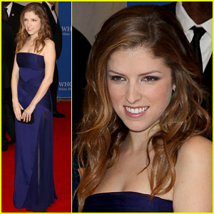 Anna Kendrick is a Beauty in Blue at the 2014 White House Correspondents' Association Dinner!