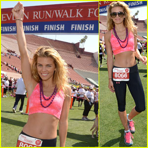 AnnaLynne McCord Runs for a Good Cause
