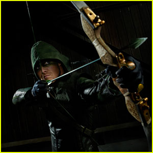 'Arrow' EP Andrew Kreisberg Previews Tonight's 'Game-Changing' Season Finale! (JJJ Interview)