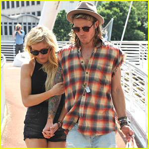 Ellie Goulding Holds Hands With Dougie Poynter While Out With Friends