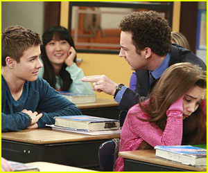 Even More New Pics from 'Girl Meets World'!