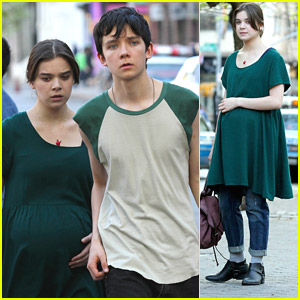 Hailee Steinfeld: Pregnant Belly on 'Ten Thousand Saints' Set
