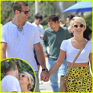 Julianne Hough & Brooks Laich Are One Super Cute Couple!