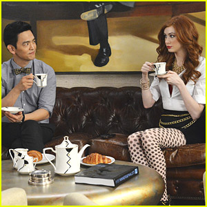 Karen Gillan: First Trailer for 'Selfie' - Watch Now!