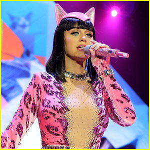 Katy Perry Sings 'Birthday' for the Billboard Music Awards 2014 (Video)