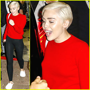 Miley Cyrus Wears Comfy Slippers After World Music Awards Wins