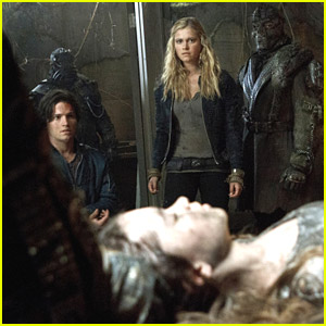 The 100 Turns Into The Hunger Games on Tonight's Episode - Get A Sneak Peek!