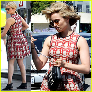 Dianna Agron Is On the Hunt for Natural Hair Care Products