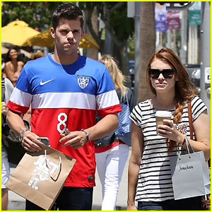 Holland Roden & Max Carver Go Shopping & Grab Coffee Together!
