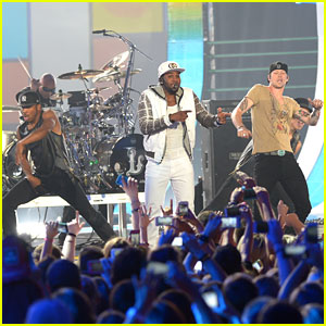 Jason Derulo Performs 'Talk Dirty' at CMT Awards with Florida Georgia Line & Luke Bryan! (Video)