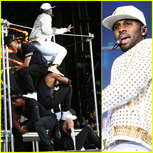 Jason Derulo Uses Dancers As Human Staircase During North East Live 2014